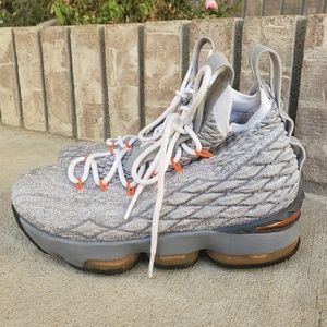 Nike LeBron XV 15 922811 basketball sneakers